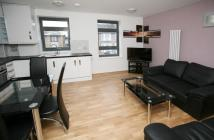 Flat to rent in Green Lane, Ilford, IG1