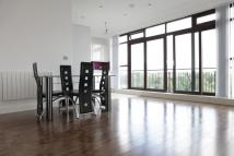 Flat to rent in Candle Street, London, E1