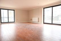 3 bedroom Flat in Candle Street, London, E1