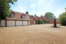 6 bed Detached property in Padworth Common, Reading...