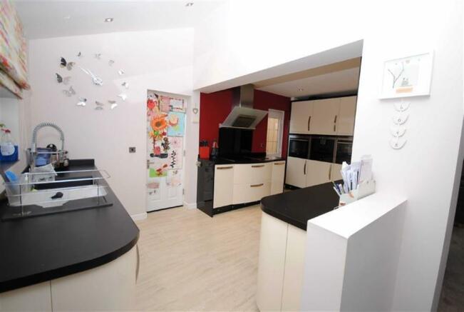 Kitchen Fourth view