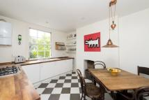 2 bed Maisonette to rent in Mornington Terrace...