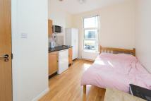 Chalk Farm Road Flat to rent