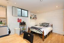 Studio apartment in Chalk Farm Road, NW1 8AN