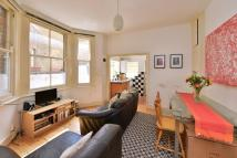 Ground Flat to rent in College Place, NW1 0DR