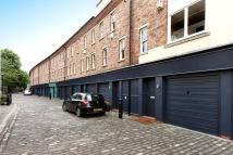 Mews to rent in St Pauls Mews, NW1 9TZ