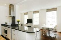 2 bedroom Flat to rent in Craven Hill Gardens...