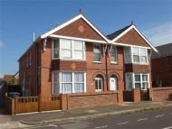 Ground Flat to rent in Chatham Road, WORTHING