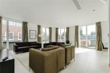 4 bed Apartment in Eglise House...