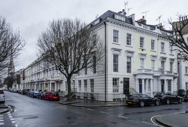 Charlwood-street-...
