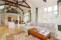4 bed Detached property in Montague Road, Richmond...