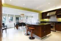 6 bedroom Detached home in Chester Avenue, Richmond...