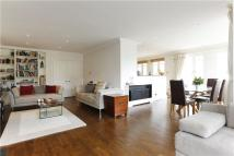 3 bed Flat to rent in Clevedon Road...
