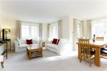2 bedroom Flat to rent in Clevedon Road...
