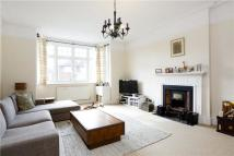 Flat to rent in Marchmont Road, Richmond...