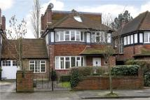 5 bed semi detached property in Lauderdale Drive...