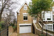 2 bedroom Mews to rent in Marchmont Road, Richmond...