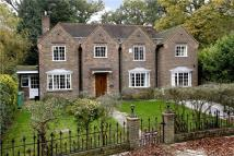 5 bed Detached home in Bute Avenue, Petersham...