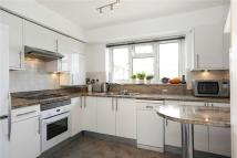 Apartment to rent in Friars Stile Road...