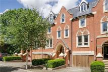 6 bed house in Pomeroy Close...