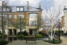 5 bed Town House in Melliss Avenue, Richmond...