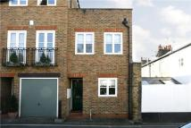 2 bed semi detached home in Lancaster Park, Richmond...