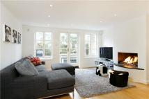 4 bedroom Terraced property to rent in Park Road, Richmond, TW10