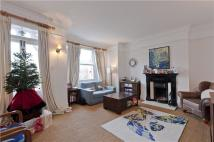 Flat to rent in Pagoda Avenue, Richmond...