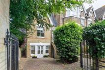 3 bedroom Mews in Marchmont Road, Richmond...