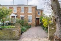 3 bedroom house to rent in Montague Road, Richmond...