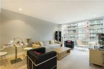 1 bed Apartment to rent in Queenstown Road, London...