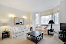 Flat to rent in Sloane Gardens, London...