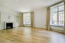 4 bedroom Flat to rent in D'oyley Street, London...