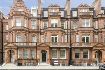 3 bedroom Flat to rent in Lower Sloane Street...