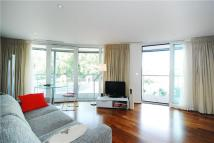 1 bed Apartment in Queenstown Road, London...