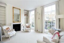 Flat to rent in Cadogan Street, London...