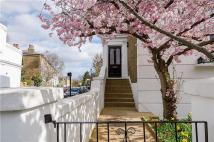 Grafton Square Town House to rent