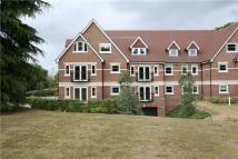 2 bedroom Apartment in Portsmouth Road, Esher...