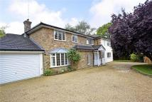 5 bedroom Detached house in Claremont Road, Claygate...
