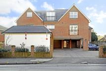 property to rent in Portsmouth Road, Cobham, Surrey, KT11
