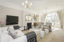 3 bed Apartment in Frognal Lane, London, NW3