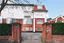Flat to rent in Frognal Lane, Hampstead...