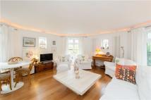 Apartment to rent in Fitzjohns Avenue, London...