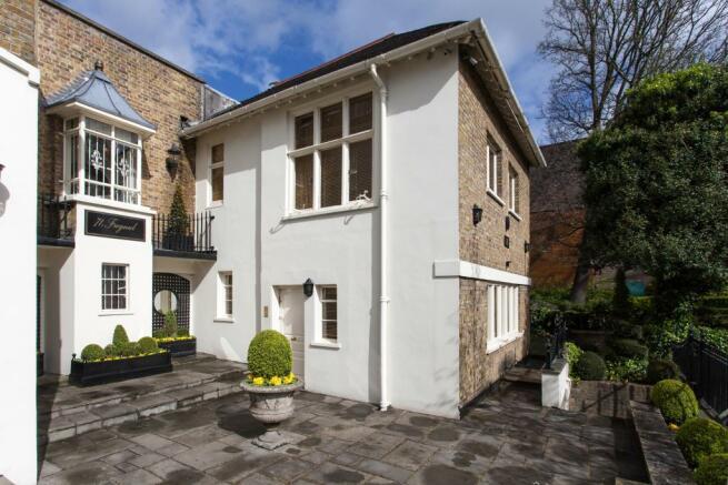 The Cottage- Exte...