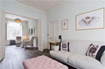 3 bed Terraced home in Barnsbury Street, London...