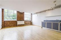 Apartment to rent in Dove Road, London, N1