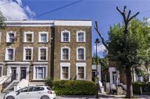 Apartment to rent in Northchurch Road, London...