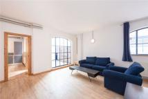 Mews to rent in Dove Road, London, N1