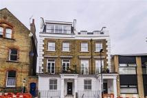 Apartment to rent in Oakley Crescent, London...