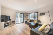 2 bedroom Flat to rent in Rotherfield Street...
